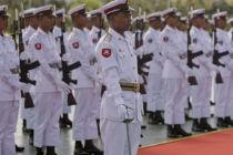 Ehrenspalier der myanmarischen Armee in Naypyidaw beim Empfang einer thailändischen Delegation am 11. Oktober 2010